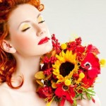 (c) Svetlana Fedoseeva - Fotolia.com (Red-haired beauty with a luxurious autumn bouquet/ #47873364)